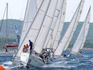 Locazione imbarcazioni per team aziendali Romagna