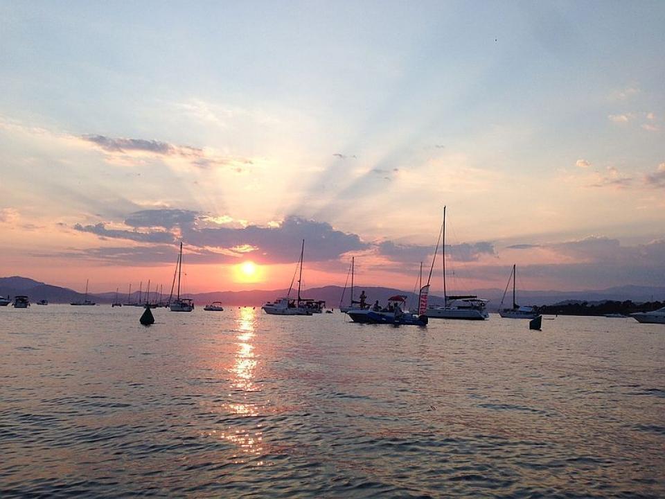 Noleggio barca vela con skipper per le festa del 2 giugno in Costa Azzurra