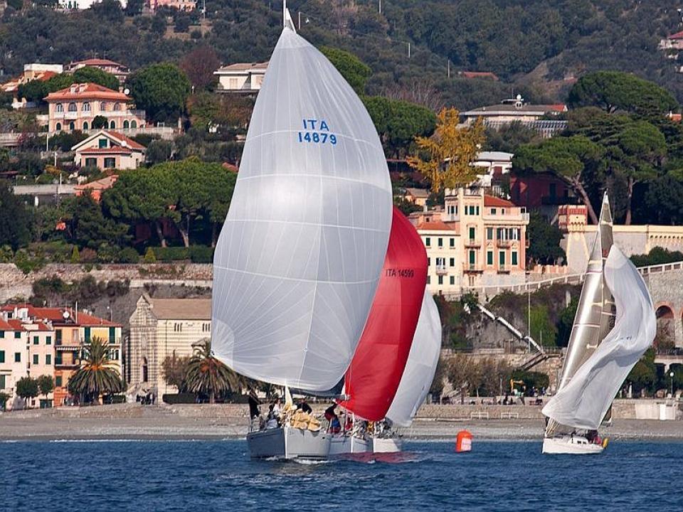 Team Building in barca a vela Portovenere