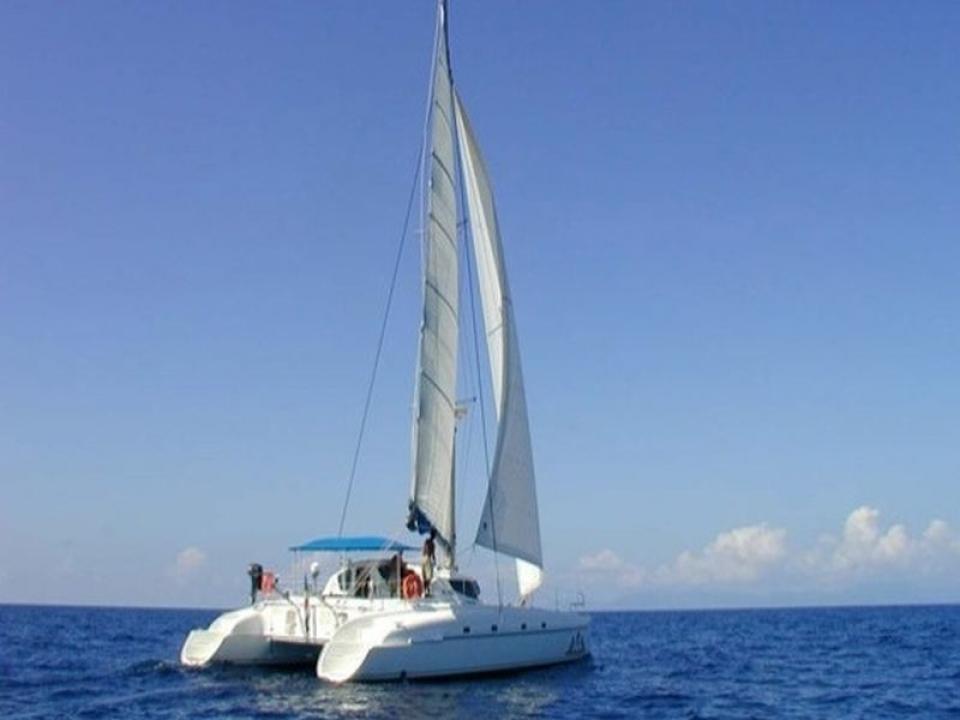 Feste con amici in catamarano alle 5 Terre