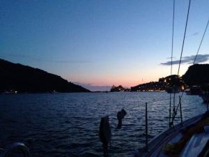 Viaggi organizzati in barca a vela per single alle 5 terre