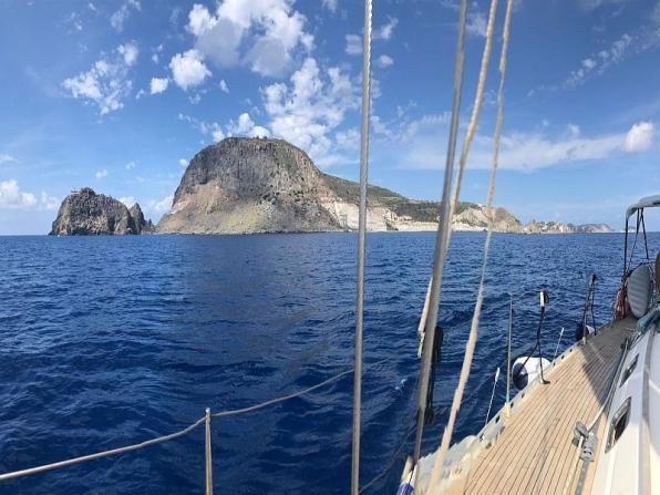 Visitare le Egadi in barca a vela