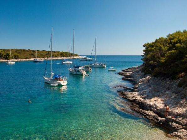 Addio al celibato in barca a vela Trieste