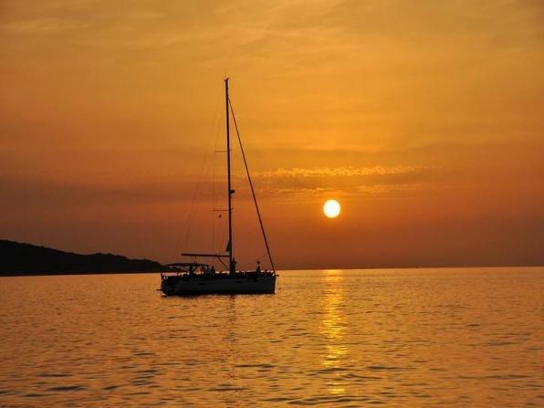 Noleggio barca a vela con skipper toscana