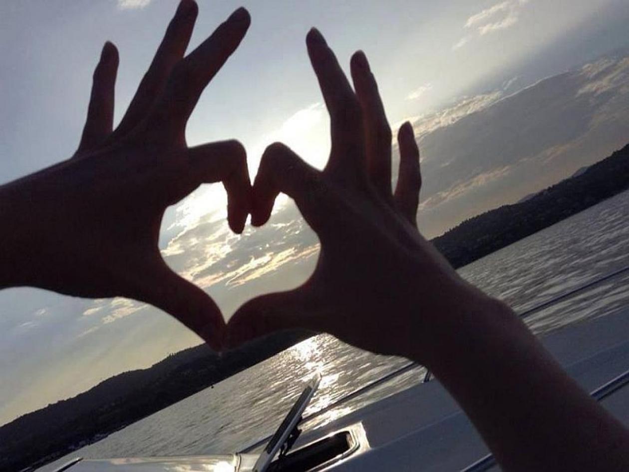Addio al nubilato in barca a Napoli