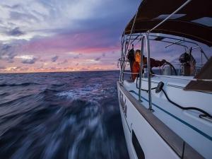 Eolie in barca a vela
