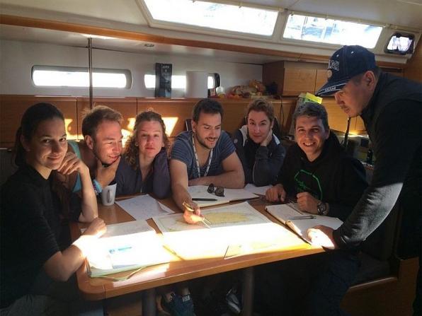 Servizi per le scuole in barca a vela in Liguria