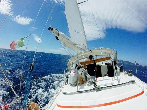 Addio al nubilato in barca a vela Anzio