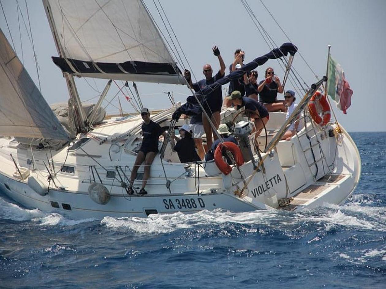 Weekend di vela e relax nel Golfo di Napoli