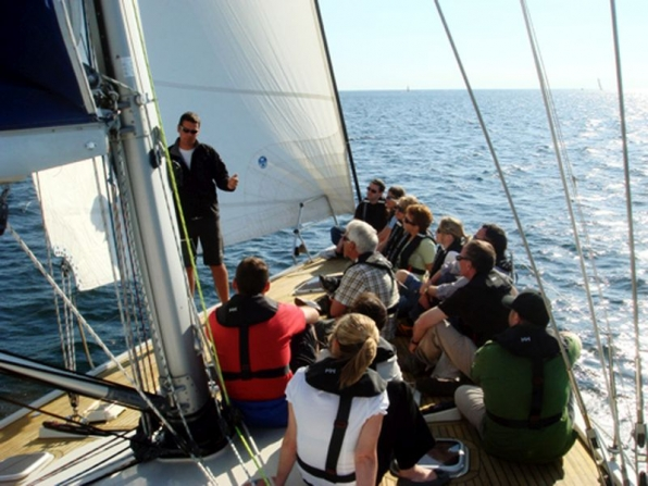 Formazione training outdoor in barca a vela