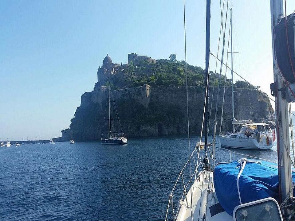 Noleggio barca a vela con skipper a Capri