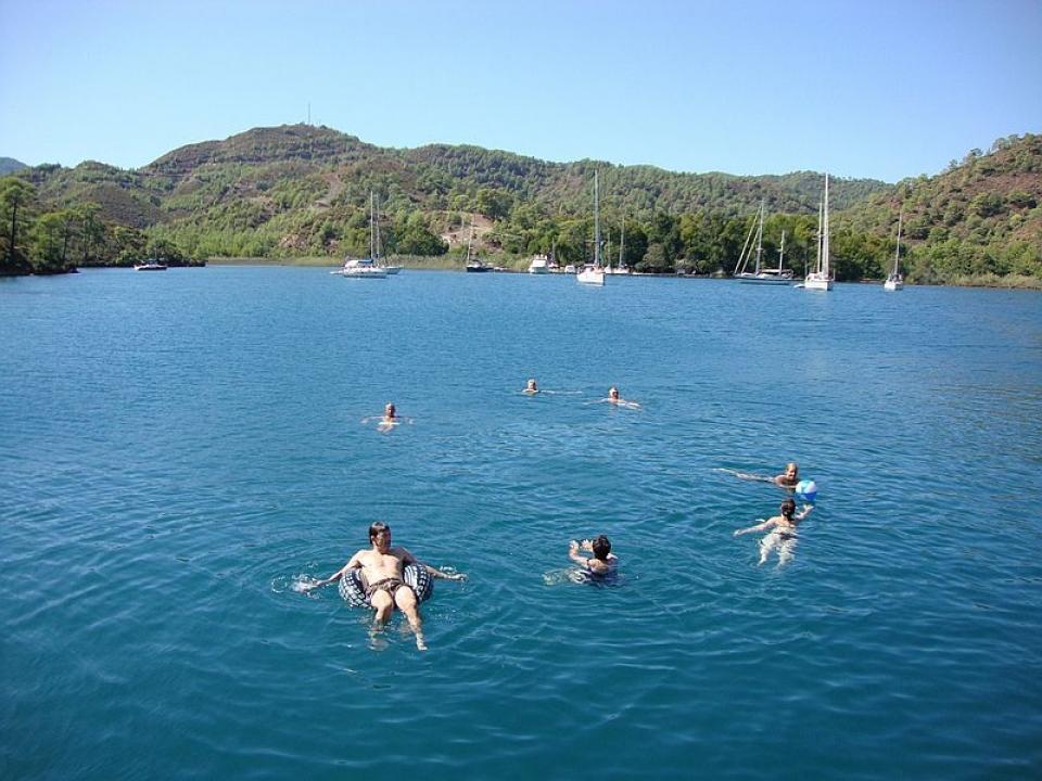 Festa in barca a vela addio al nubilato in Liguria