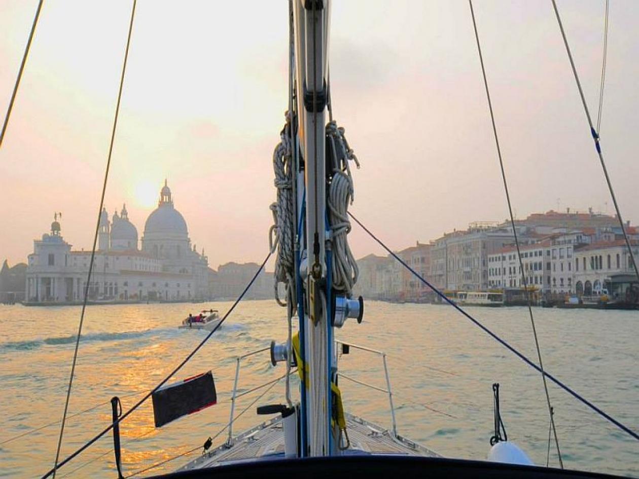 Addio al nubilato in barca a Venezia