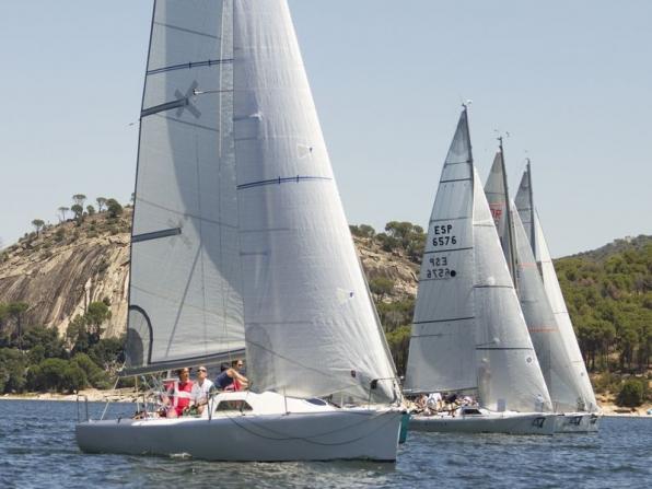 Formazione aziendale in barca al lago