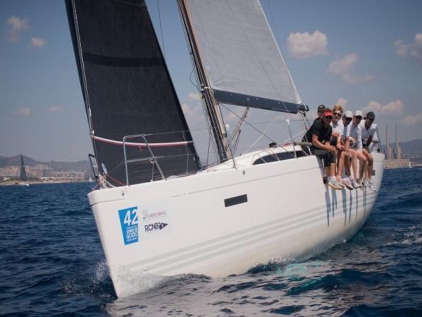 Teamwork in barca nel Golfo di Napoli