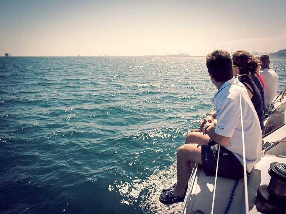 Il turista responsabile viaggia in vela